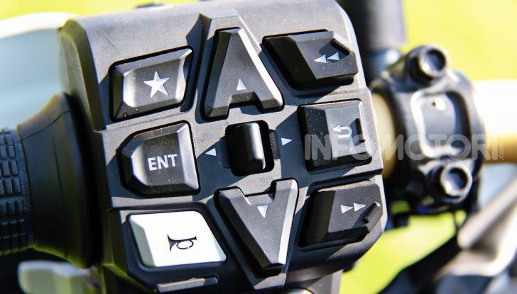Prova Honda Africa Twin 1100 Adventure Sports: regina su strada e off-road - Foto 7 di 20