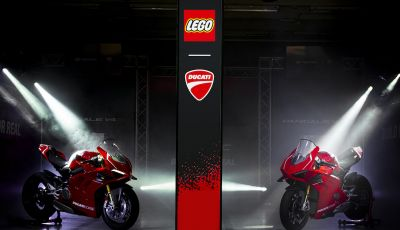 LEGO Technic: ecco la Ducati Panigale V4 R in mattoncini  in scala 1-1