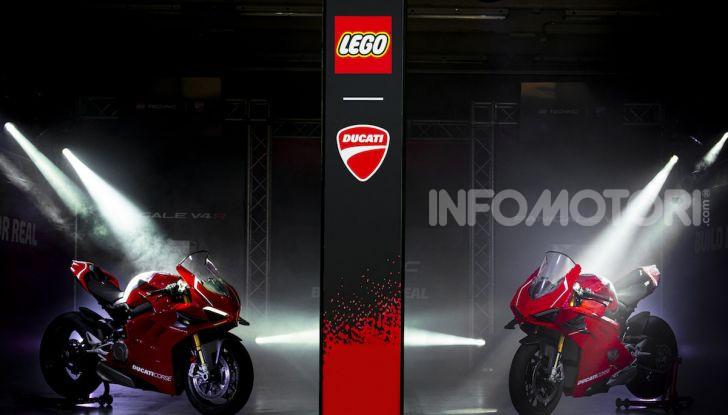 LEGO Technic: ecco la Ducati Panigale V4 R in mattoncini  in scala 1-1 - Foto 1 di 9