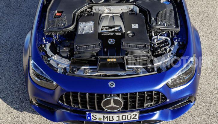 Mercedes-AMG E 63 4MATIC: berlina e station wagon fanno rima con prestazioni e comfort - Foto 23 di 51