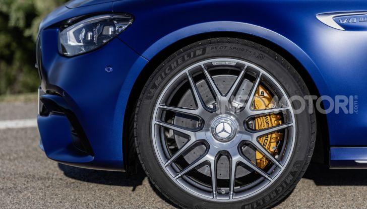 Mercedes-AMG E 63 4MATIC: berlina e station wagon fanno rima con prestazioni e comfort - Foto 27 di 51