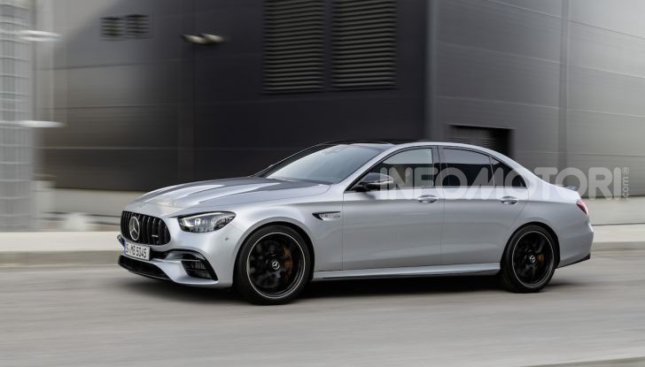 Mercedes-AMG E 63 4MATIC: berlina e station wagon fanno rima con prestazioni e comfort - Foto 36 di 51
