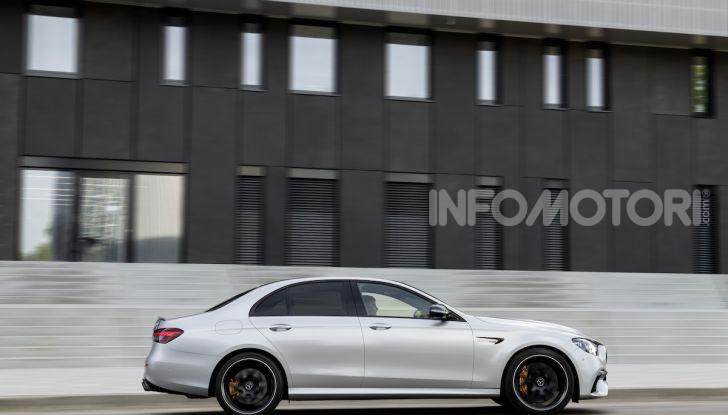 Mercedes-AMG E 63 4MATIC: berlina e station wagon fanno rima con prestazioni e comfort - Foto 37 di 51