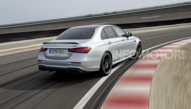 Mercedes-AMG E 63 4MATIC: berlina e station wagon fanno rima con prestazioni e comfort - Foto 39 di 51
