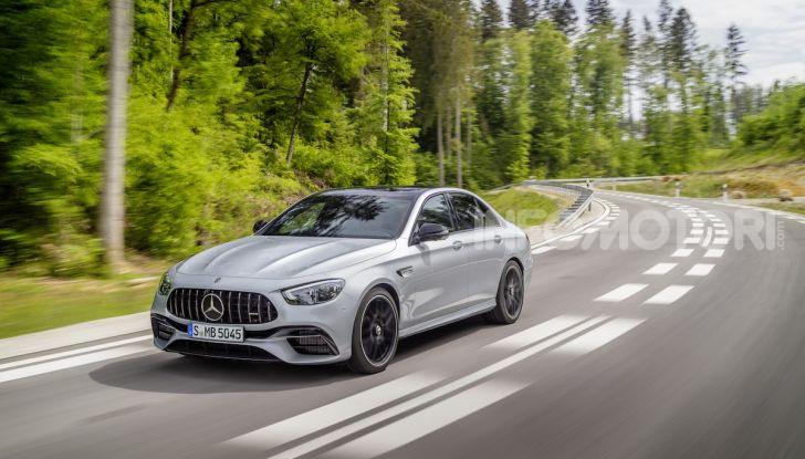 Mercedes-AMG E 63 4MATIC: berlina e station wagon fanno rima con prestazioni e comfort - Foto 40 di 51