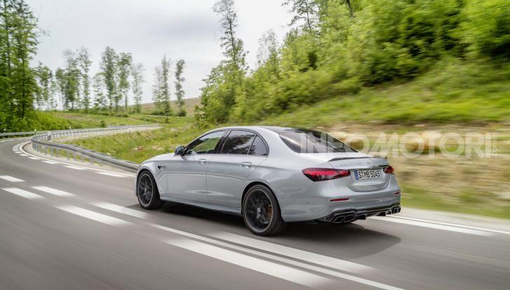 Mercedes-AMG E 63 4MATIC: berlina e station wagon fanno rima con prestazioni e comfort - Foto 41 di 51