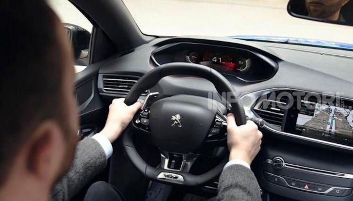 Peugeot 308: la versione 2020 è ancora più spaziosa e tecnologica - Foto 10 di 12