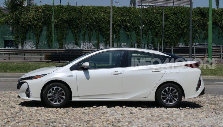 Toyota Prius Plug-in Hybrid: test drive, autonomia, prestazioni - Foto 2 di 36