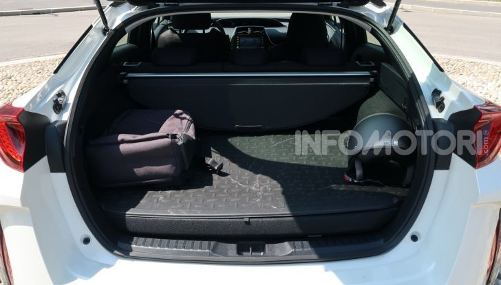 Toyota Prius Plug-in Hybrid: test drive, autonomia, prestazioni - Foto 4 di 36