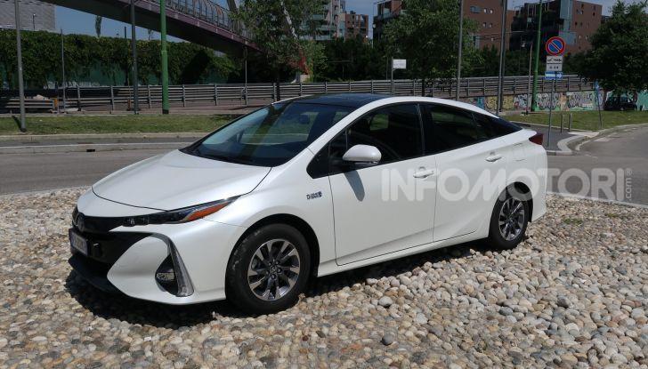 Toyota Prius Plug-in Hybrid: test drive, autonomia, prestazioni - Foto 17 di 36