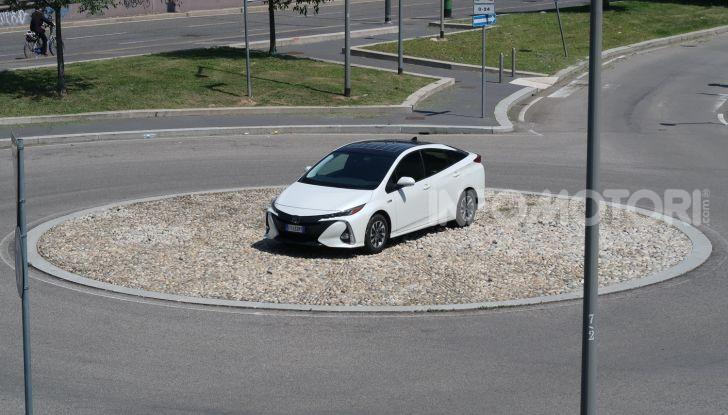 Toyota Prius Plug-in Hybrid: test drive, autonomia, prestazioni - Foto 14 di 36