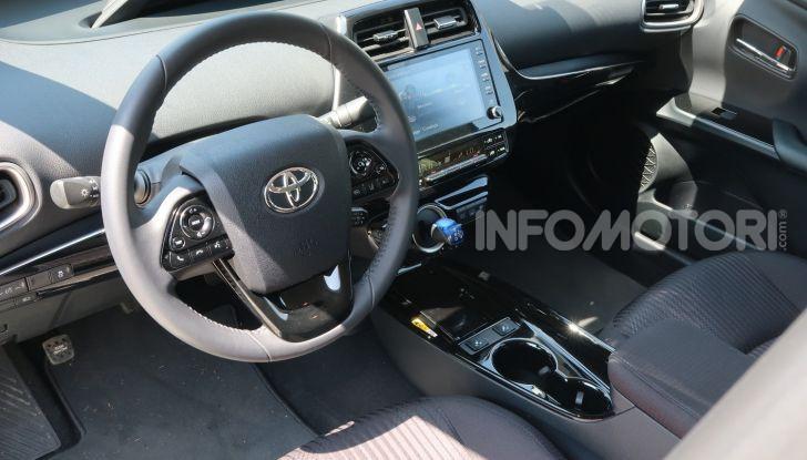 Toyota Prius Plug-in Hybrid: test drive, autonomia, prestazioni - Foto 16 di 36