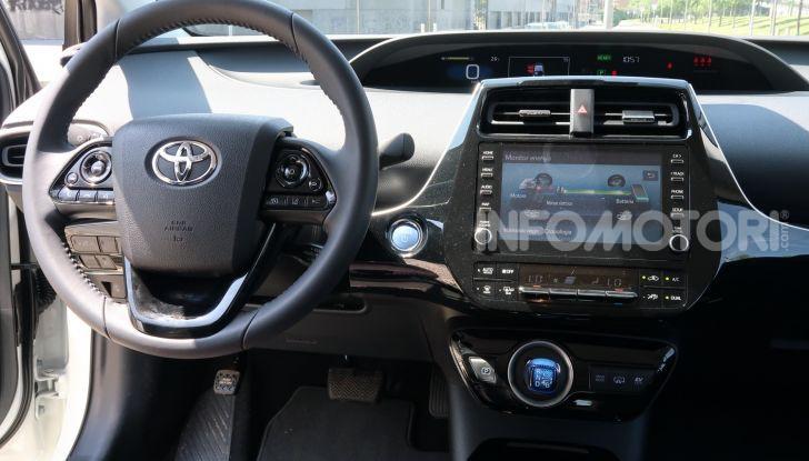 Toyota Prius Plug-in Hybrid: test drive, autonomia, prestazioni - Foto 18 di 36