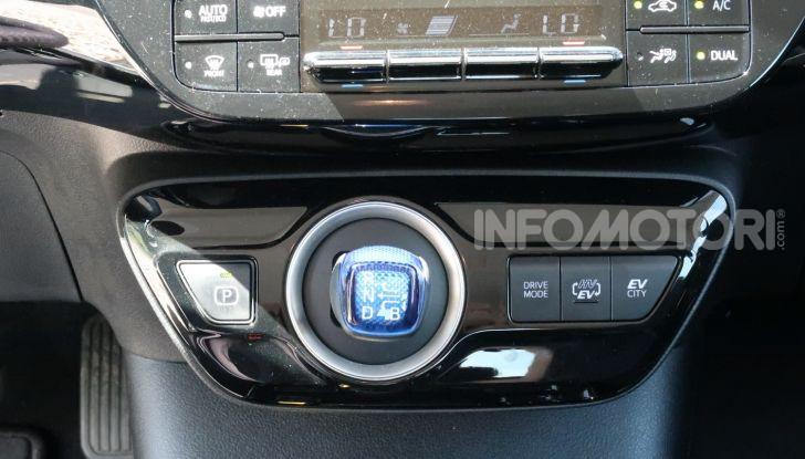 Toyota Prius Plug-in Hybrid: test drive, autonomia, prestazioni - Foto 19 di 36