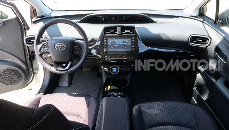 Toyota Prius Plug-in Hybrid: test drive, autonomia, prestazioni - Foto 22 di 36