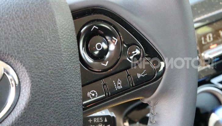 Toyota Prius Plug-in Hybrid: test drive, autonomia, prestazioni - Foto 25 di 36