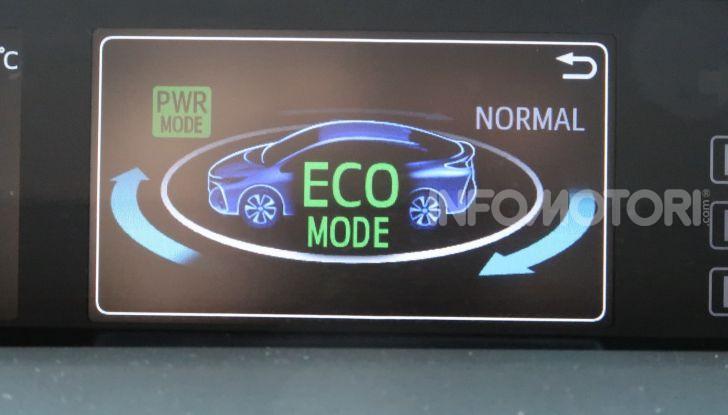 Toyota Prius Plug-in Hybrid: test drive, autonomia, prestazioni - Foto 27 di 36