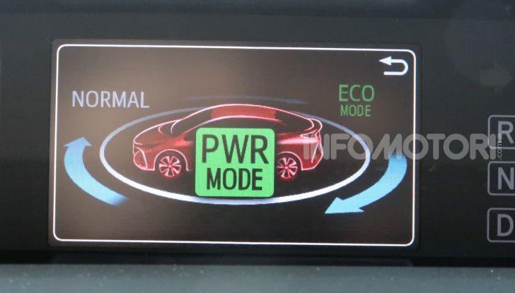 Toyota Prius Plug-in Hybrid: test drive, autonomia, prestazioni - Foto 29 di 36