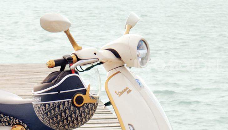 Vespa 946 Christian Dior: lo scooter tailor made che unisce Italia e Francia - Foto 5 di 5