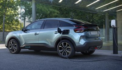 Citroen C4 2020: la berlina in stile SUV coupè, anche full electric
