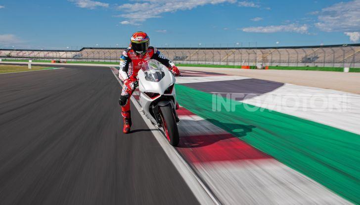 La Ducati Panigale V2 con nuova livrea White Rosso - Foto 7 di 9