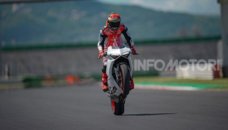 La Ducati Panigale V2 con nuova livrea White Rosso - Foto 8 di 9