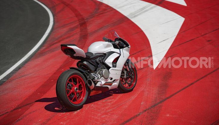 La Ducati Panigale V2 con nuova livrea White Rosso - Foto 9 di 9
