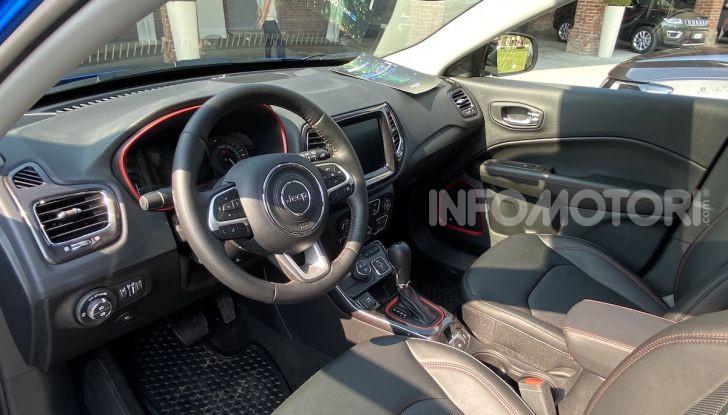 Jeep: Renegade e Compass 4xe ridefiniscono gli standard delle auto ibride plug-in - Foto 20 di 34
