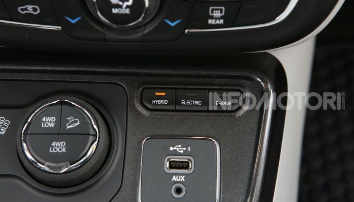 Jeep: Renegade e Compass 4xe ridefiniscono gli standard delle auto ibride plug-in - Foto 15 di 34