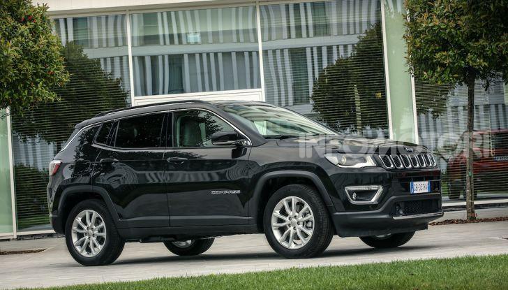 Jeep: Renegade e Compass 4xe ridefiniscono gli standard delle auto ibride plug-in - Foto 10 di 34