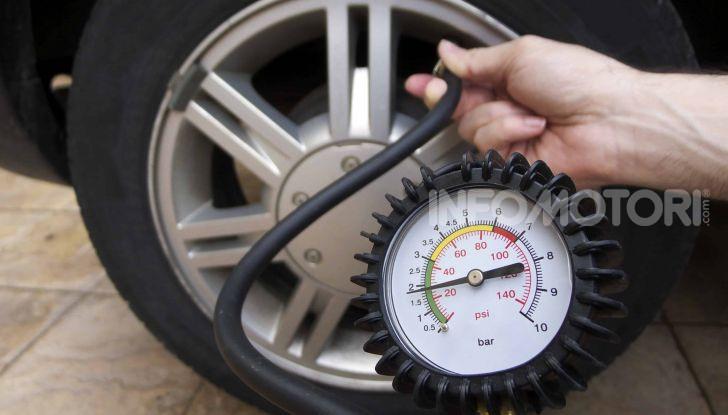 Pneumatici auto: perchè controllarne la pressione è importante? - Foto 3 di 8