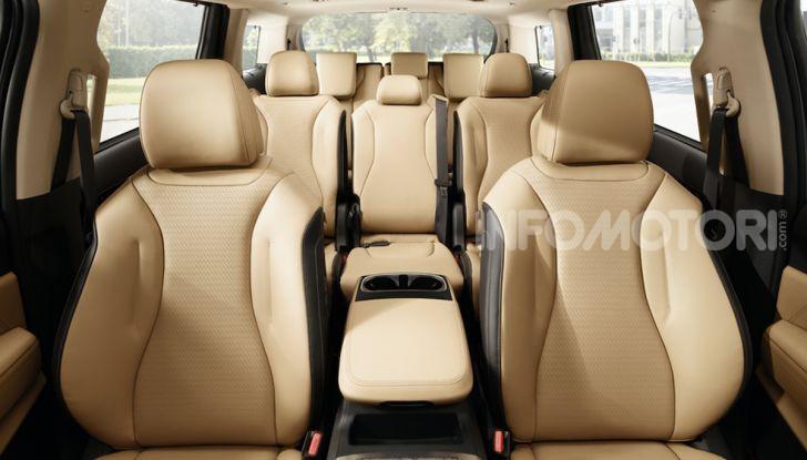 Kia Carnival 2020: il mini van che si sente un SUV - Foto 5 di 11