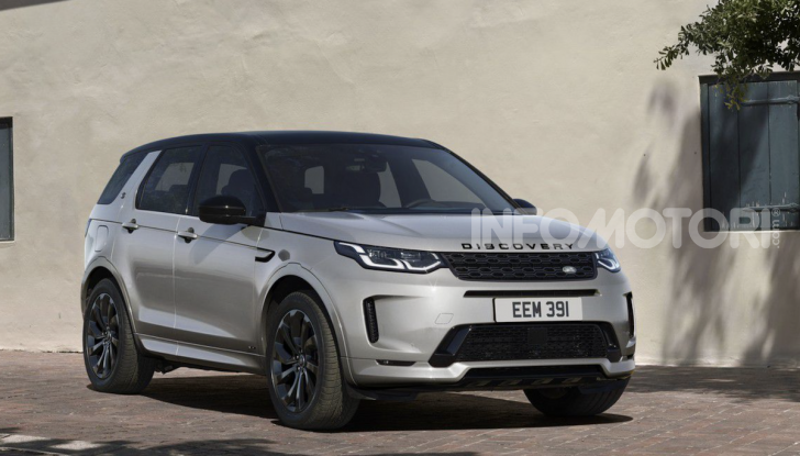 Land Rover Discovery Sport: arriva anche la versione Black - Foto 2 di 9