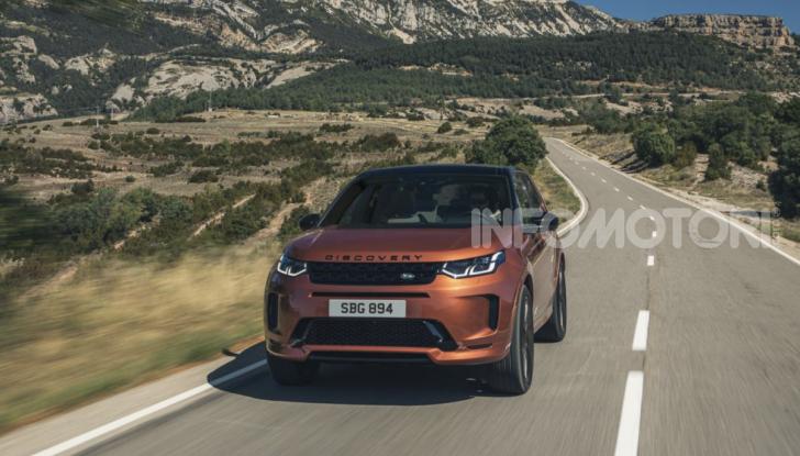 Land Rover Discovery Sport: arriva anche la versione Black - Foto 7 di 9