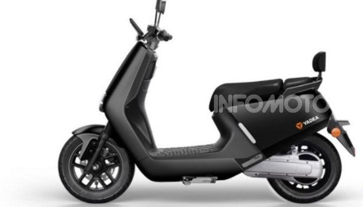 Vin Diesel diventa Fast, Furious & Green in sella allo scooter Yadea G5 - Foto 2 di 7