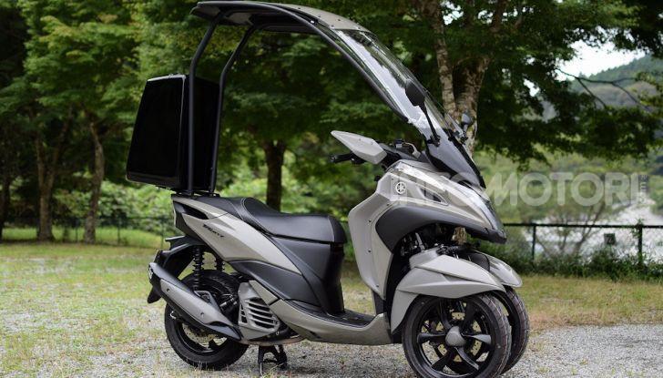 Yamaha Tricity diventa uno scooter da campeggio - Foto 2 di 9