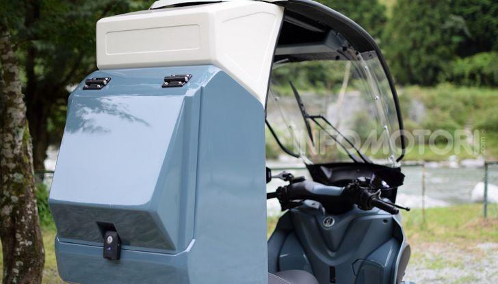 Yamaha Tricity diventa uno scooter da campeggio - Foto 3 di 9