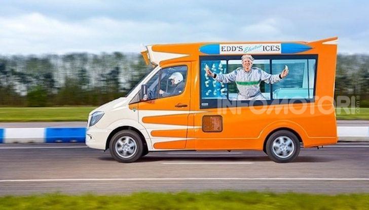 Edd China guida un furgone dei gelati da record del mondo - Foto 3 di 5