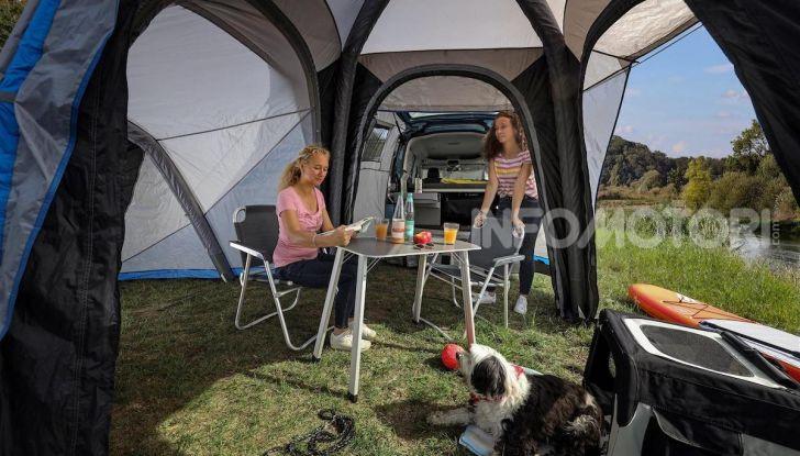 Volkswagen Caddy California: il mini van per i lunghi viaggi - Foto 11 di 13