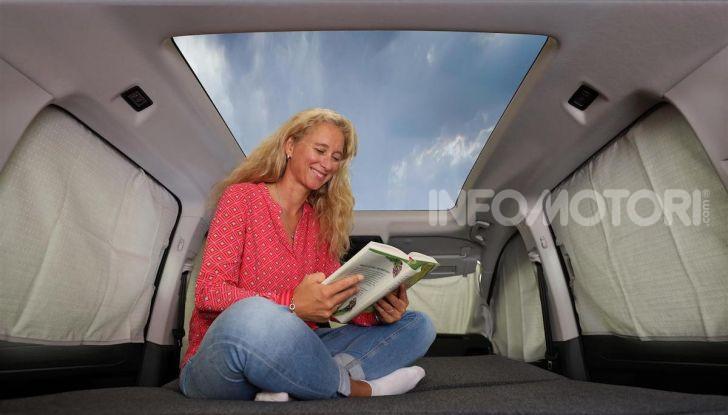 Volkswagen Caddy California: il mini van per i lunghi viaggi - Foto 2 di 13
