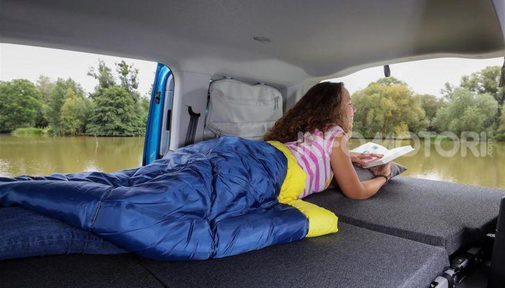 Volkswagen Caddy California: il mini van per i lunghi viaggi - Foto 7 di 13
