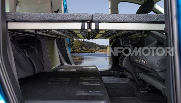 Volkswagen Caddy California: il mini van per i lunghi viaggi - Foto 8 di 13