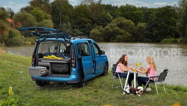 Volkswagen Caddy California: il mini van per i lunghi viaggi - Foto 9 di 13