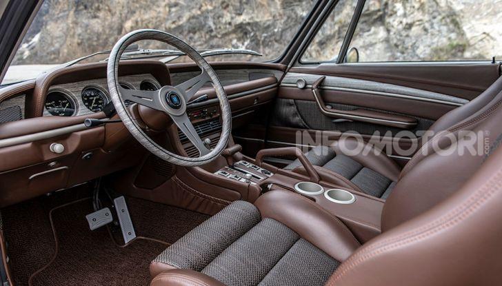 Robert Downey Jr si regala una BMW 3.0 CS del 1974 modificata a tema Iron Man - Foto 1 di 10