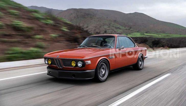 Robert Downey Jr si regala una BMW 3.0 CS del 1974 modificata a tema Iron Man - Foto 10 di 10