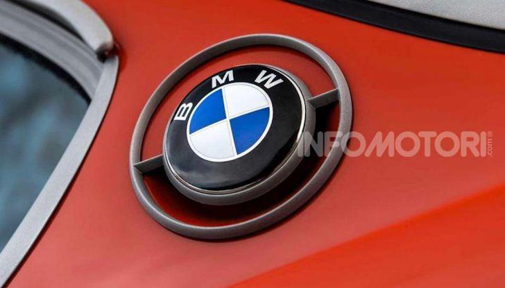 Robert Downey Jr si regala una BMW 3.0 CS del 1974 modificata a tema Iron Man - Foto 3 di 10