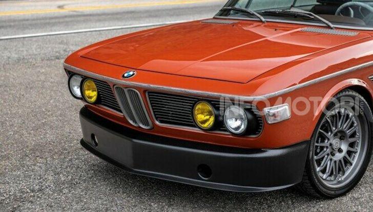 Robert Downey Jr si regala una BMW 3.0 CS del 1974 modificata a tema Iron Man - Foto 6 di 10