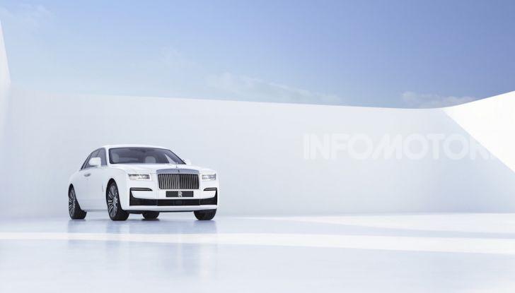 Rolls Royce Ghost: lusso e tecnologia allo stato puro - Foto 10 di 12