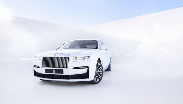Rolls Royce Ghost: lusso e tecnologia allo stato puro - Foto 11 di 12