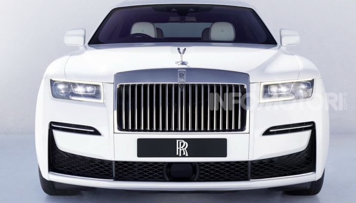 Rolls Royce Ghost: lusso e tecnologia allo stato puro - Foto 7 di 12